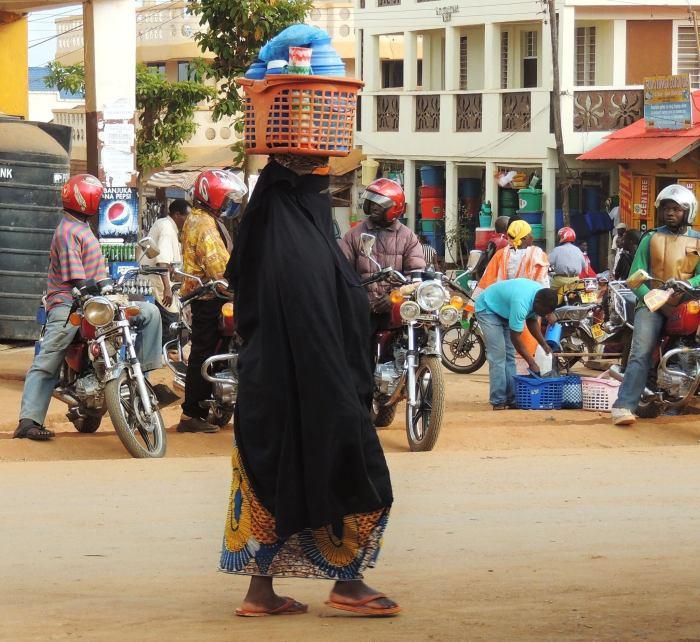 Foto_Africa_Women_black