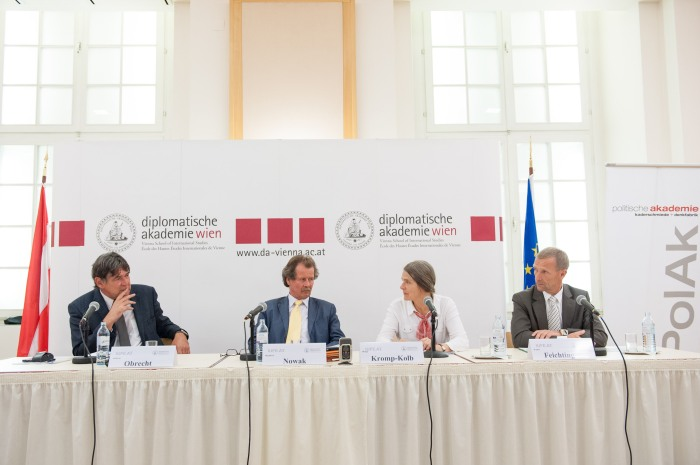 """The discussion """"Klimawandel & Migration: Herausforderungen an die Realpolitik"""" held on 22 October at the Diplomatic Academy"""