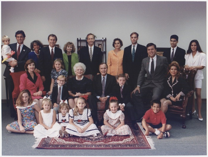 A portrait of the Bush family at their residence in Houston Texas circa 1992 © David Valdez