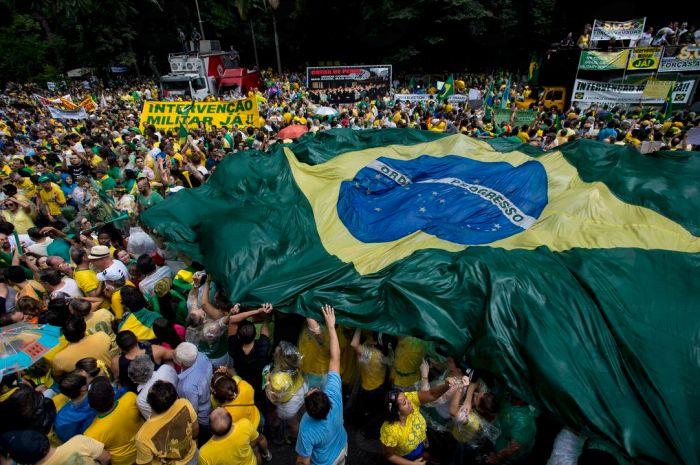 Protestos_de_15_de_março_de_2015_em_São_Paulo-3